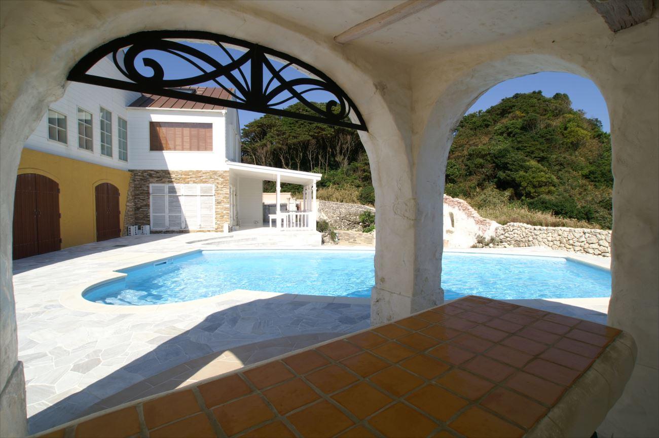 プール付きの家 イメージ画像2