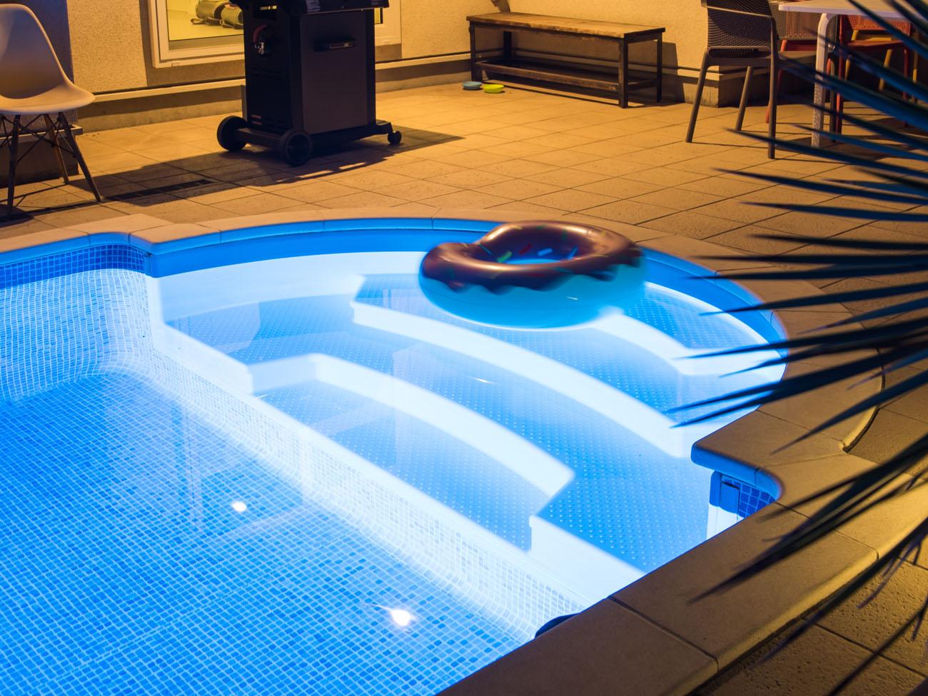 プール付きの家 イメージ画像1